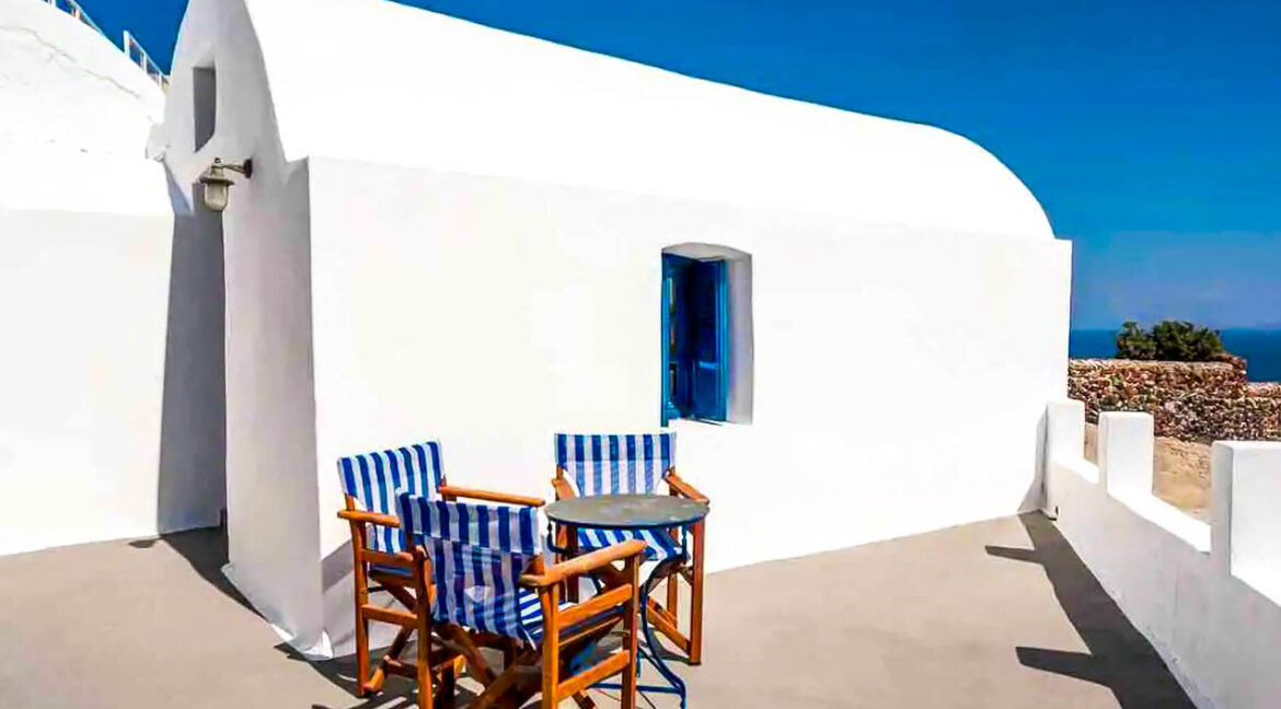 House for Sale in Oia Santorini with Good Rental Income, Real Estate Office in Santorini
