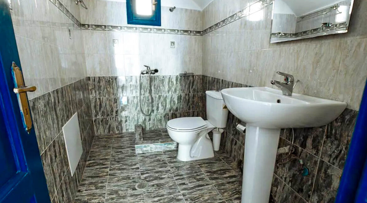House for Sale in Oia Santorini with Good Rental Income, Real Estate Office in Santorini 12