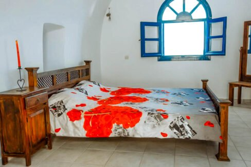 House for Sale in Oia Santorini with Good Rental Income, Real Estate Office in Santorini 3