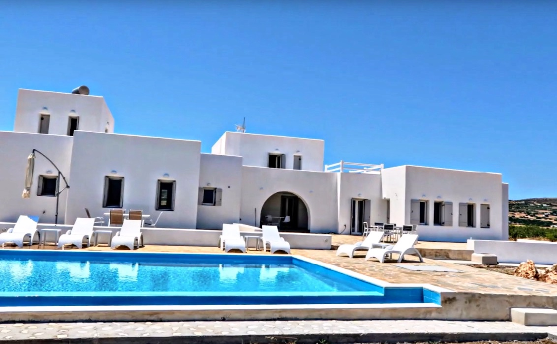 2 Maisonettes with sea view in Paros
