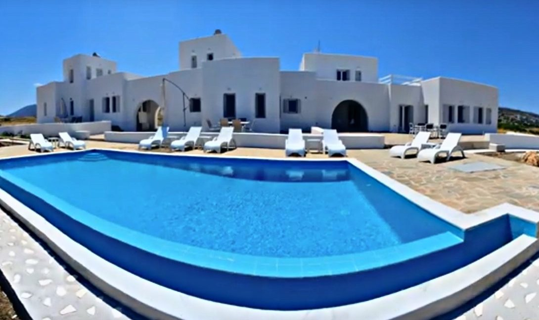Maisonettes with sea view in Paros, Real Estate Paros Greece 19