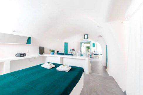 Small Hotel for Sale Finikia Oia Santorini, Hotel Sales Santorini 4