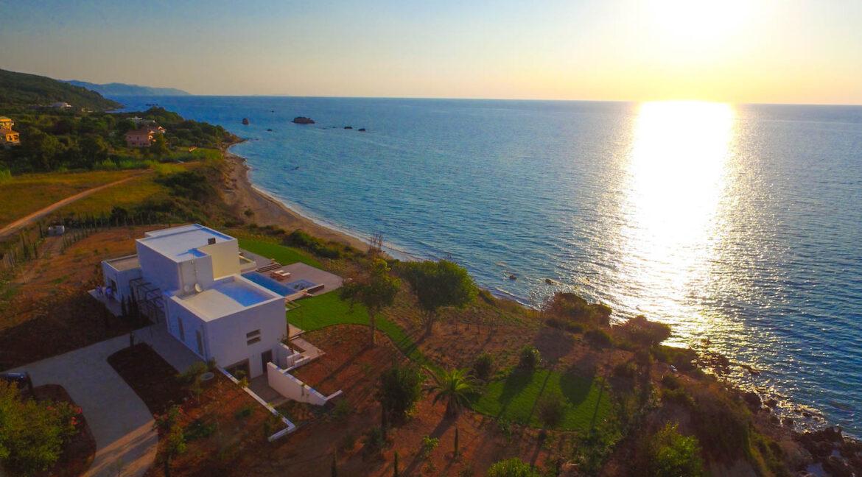 DCIM100Super Waterfront Villa in Corfu Island, Corfu Homes, Property Corfu Greece MEDIADJI_0021.JPG