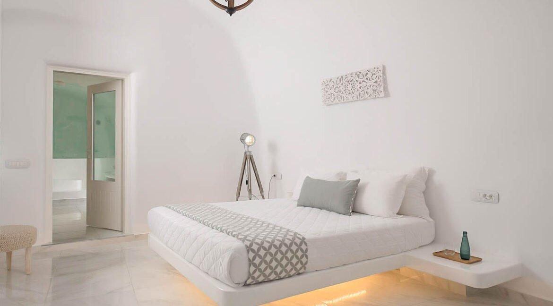 Villa For Sale in Santorini Island. Cave House Imerovigli Santorini 4