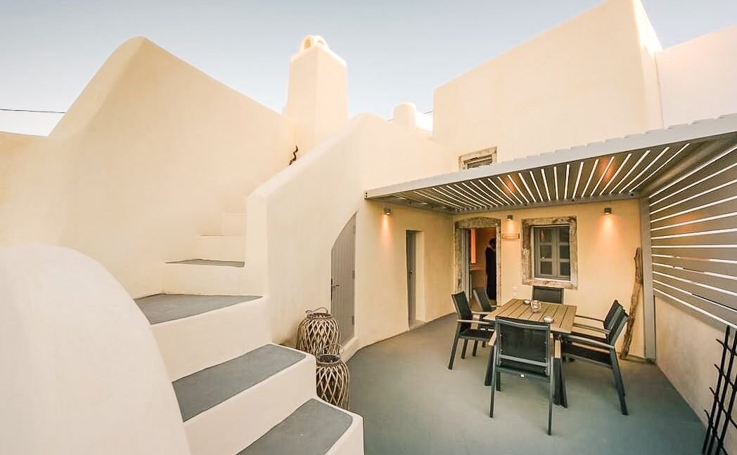 Villa in Pyrgos Santorini operating as hotel, Property in Santorini 10