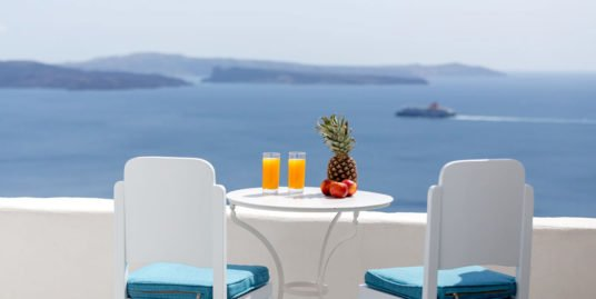 Caldera Cave House at the most privileged spot of Oia – EXCLUSIVE