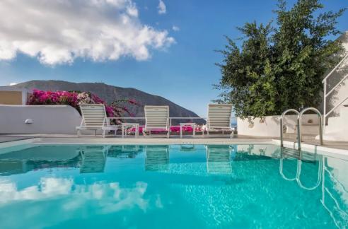 House with pool in Santorini for Sale, Santorini Property
