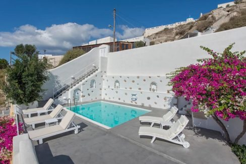 House with pool in Santorini for Sale, Santorini Property 1