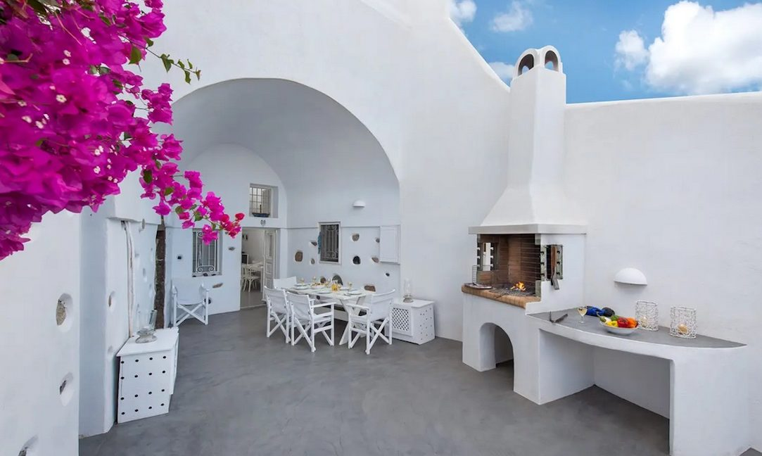 House with pool in Santorini for Sale, Santorini Property 4