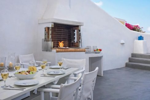 House with pool in Santorini for Sale, Santorini Property 6