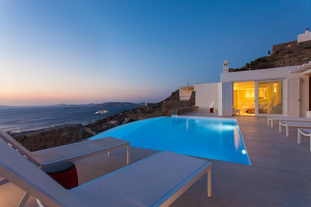 New Villa in Tourlos Mykonos with sea view