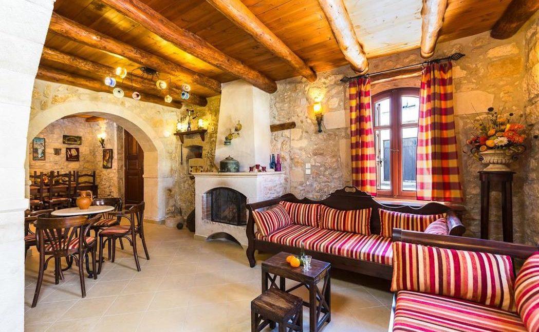 Villa Casa Sanguinazzo historical building in Crete 13