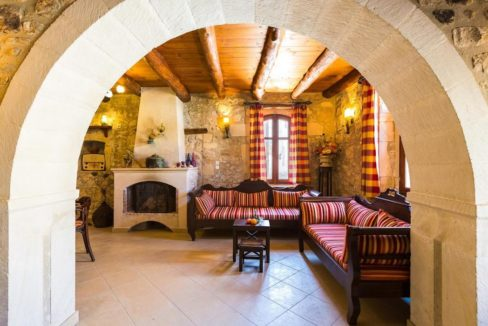 Villa Casa Sanguinazzo historical building in Crete 14