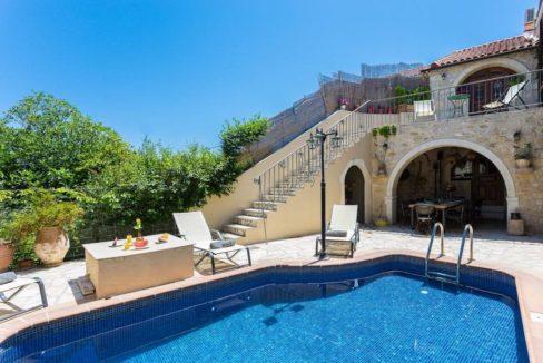 Villa Casa Sanguinazzo historical building in Crete 22