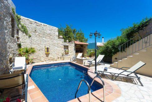 Villa Casa Sanguinazzo historical building in Crete 23