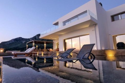 Waterfront Villa in Corfu 10