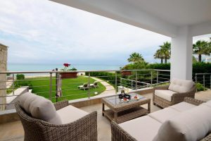 Beachfront house Chanioti Halkidiki, Halkidiki Properties