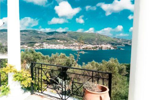 Villa near the sea Pounta Skiathos island, steps from the beach