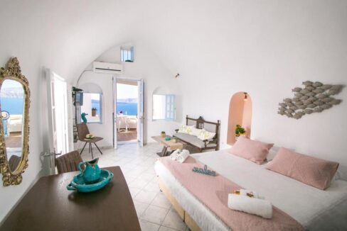 Caldera Santorini! Cave House of 2 Levels in Oia 13