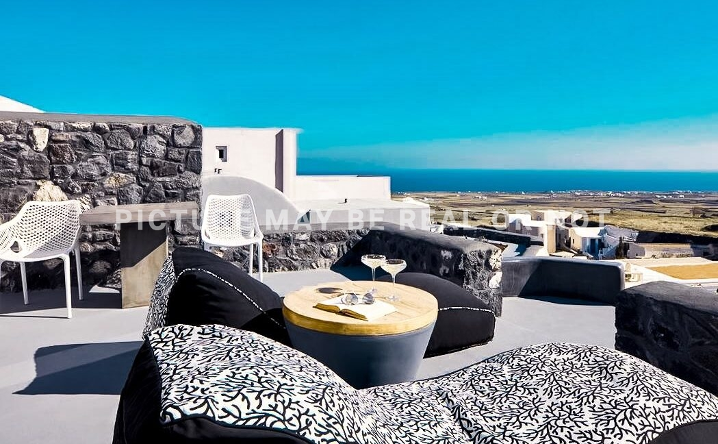 Houses Finikia Oia Santorini for sale, Hotel Sales Santorini 2