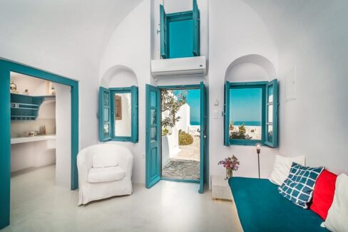 Small Hotel for Sale Finikia Oia Santorini, Hotel Sales Santorini