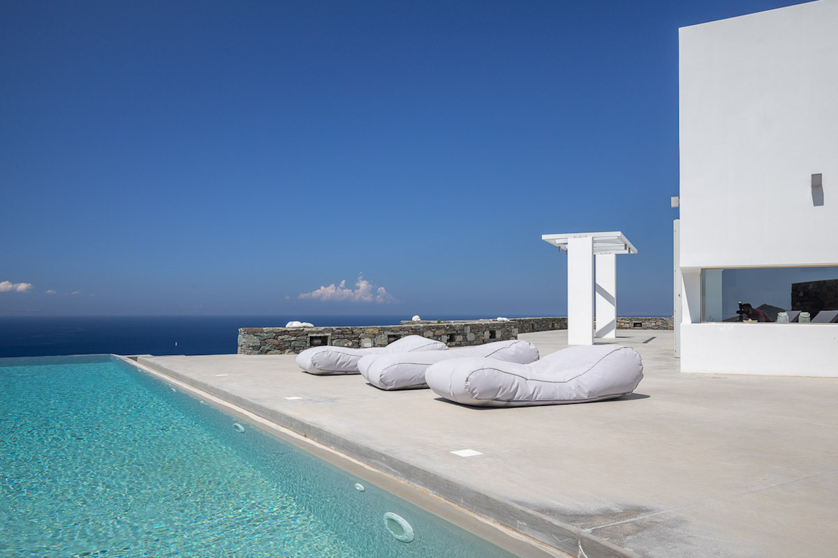 Excellent Villa for Sale in Syros Island Greece