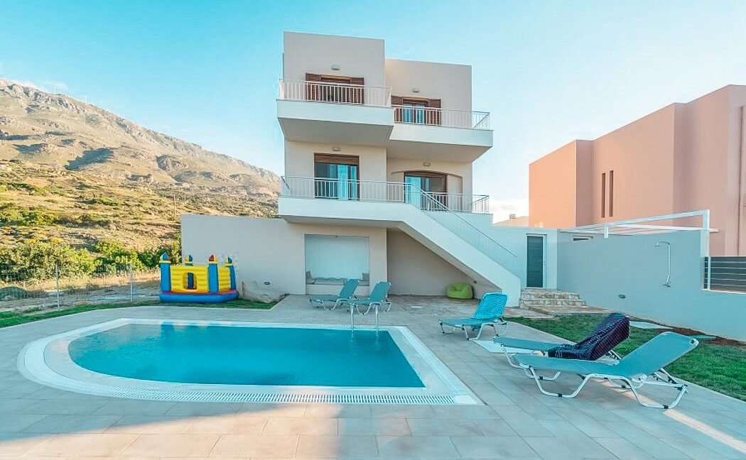 Villa in South Crete with Sea View, Seafront Houses in Crete 1