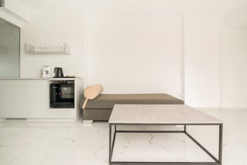 partments for Sale in the Center of Athens , Guaranteed income 1