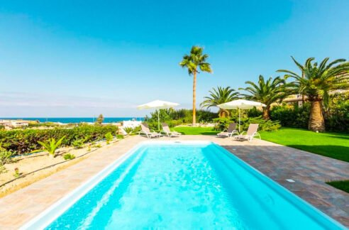 Beautiful Villa near the sea in Crete