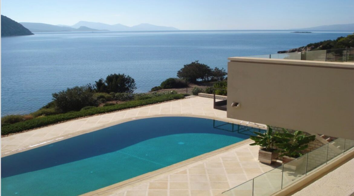 Seafront Mansion Porto Heli for Sale.  Porto heli Real Estate. Seafront Villa 11