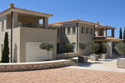 Seafront Mansion Porto Heli for Sale.  Porto heli Real Estate. Seafront Villa 9