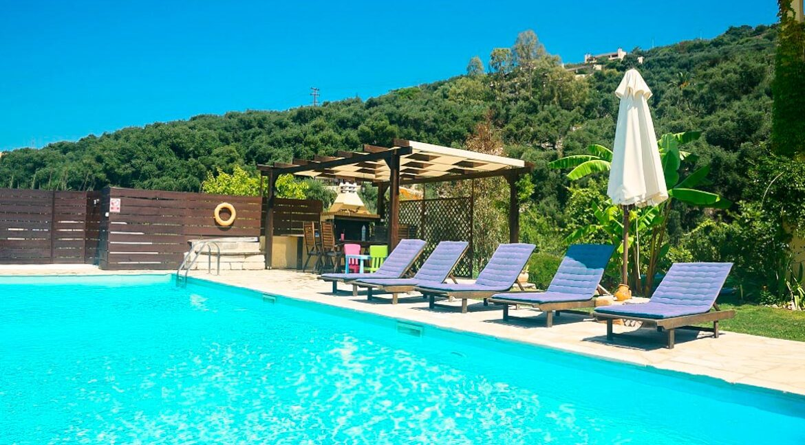 Villa with direct sea access at Corfu, Kassiopi. Corfu Luxury homes, Properties at the sea in Greece 10