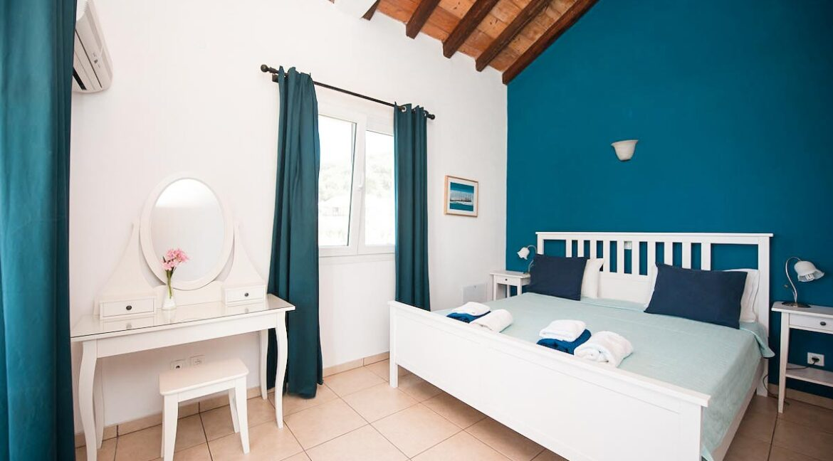 Villa with direct sea access at Corfu, Kassiopi. Corfu Luxury homes, Properties at the sea in Greece 18