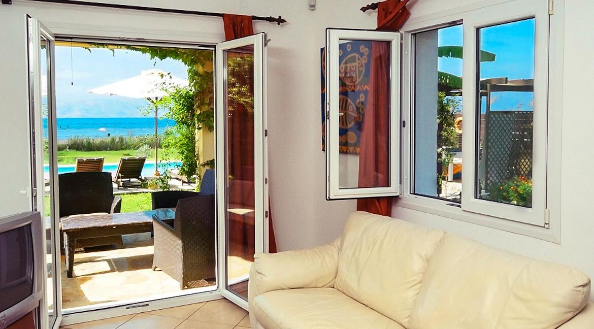 Villa with direct sea access at Corfu, Kassiopi. Corfu Luxury homes, Properties at the sea in Greece 4