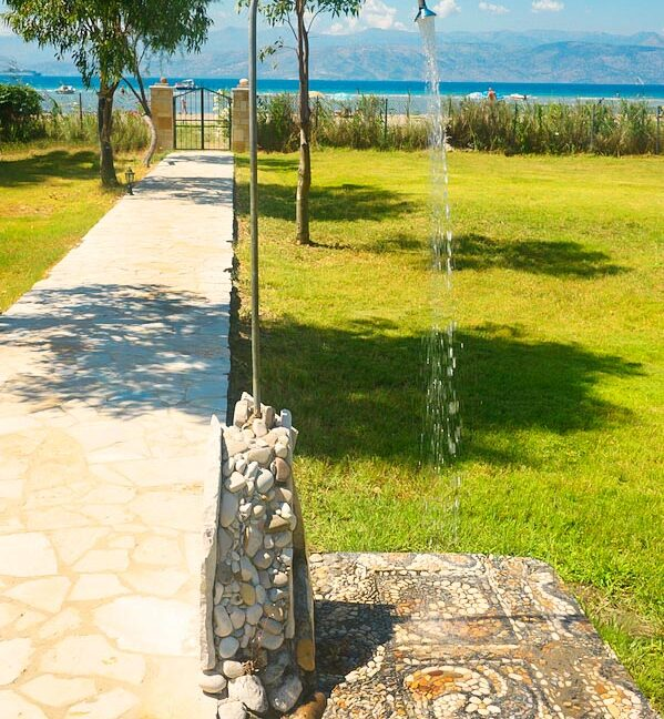 Villa with direct sea access at Corfu, Kassiopi. Corfu Luxury homes, Properties at the sea in Greece 7