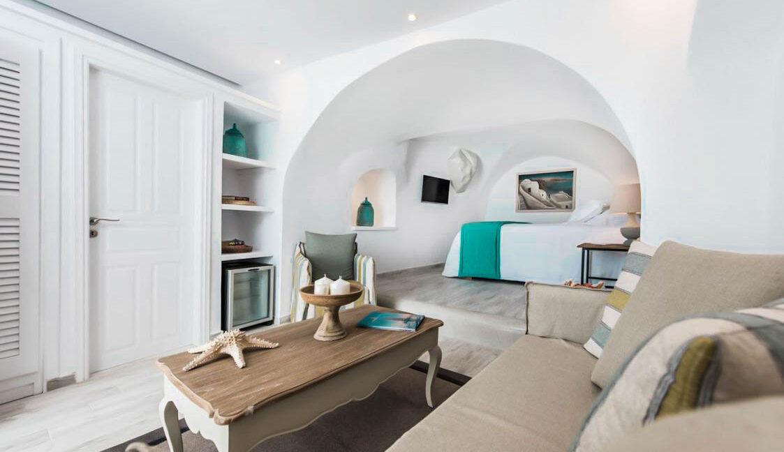 3 Suites for Sale in Imerovigli Santorini 1