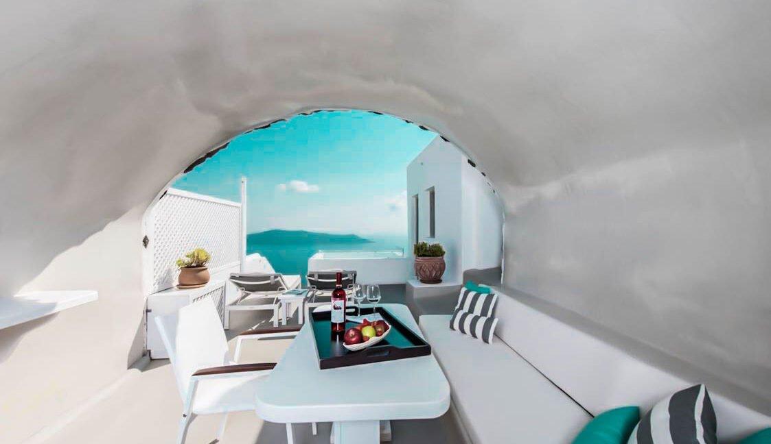 3 Suites for Sale in Imerovigli Santorini 3