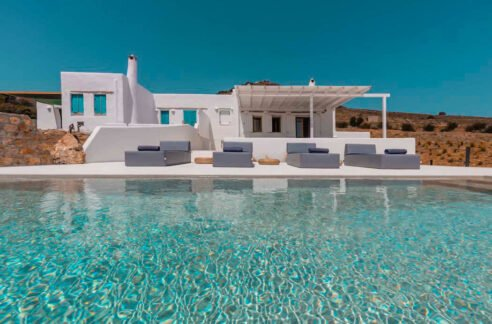 Property in Paros for sale with sea view. Best houses in Greece. Paros Properties