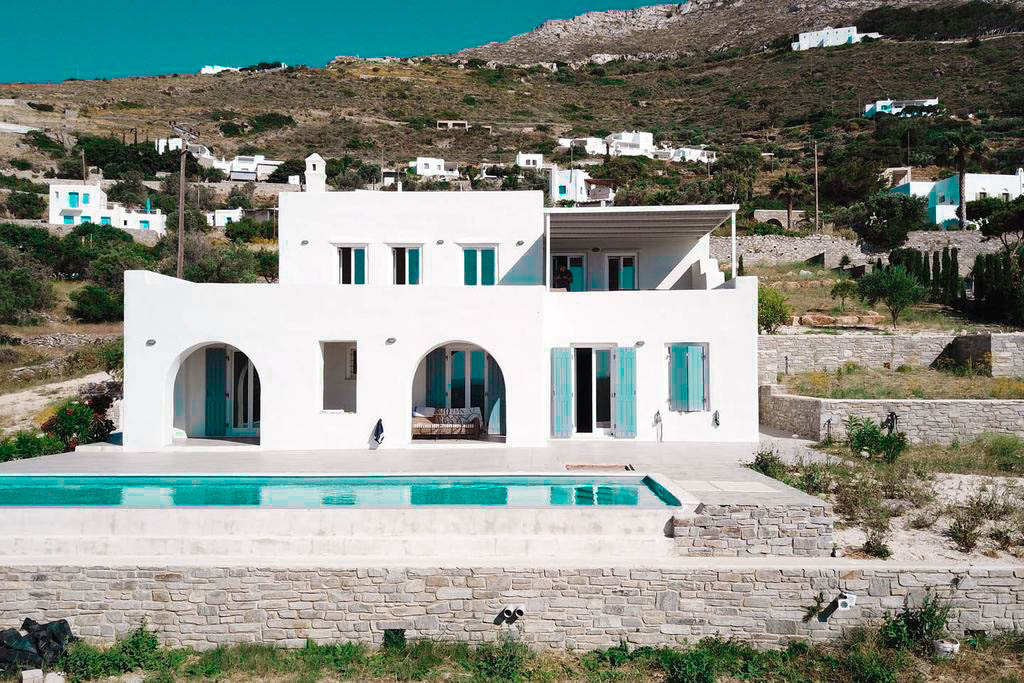 Sea view villa in Paros for Sale