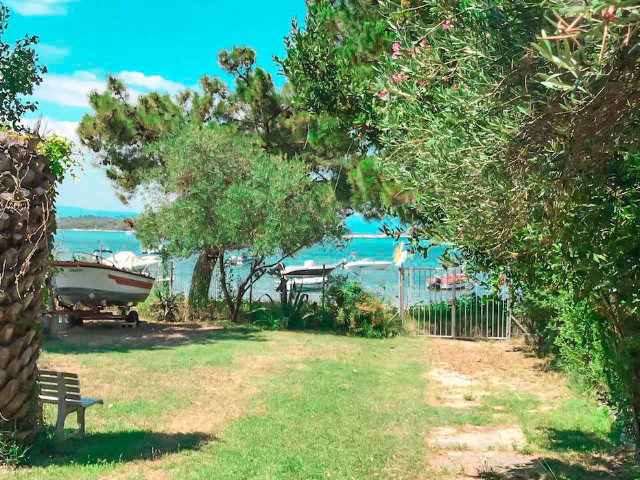 Seafront House for sale in Sithonia Chalkidiki, Vourvourou