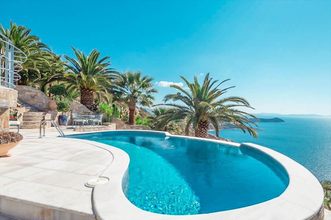 Seaside Villa in Attica, Seaside Villa Marathonas Schinia