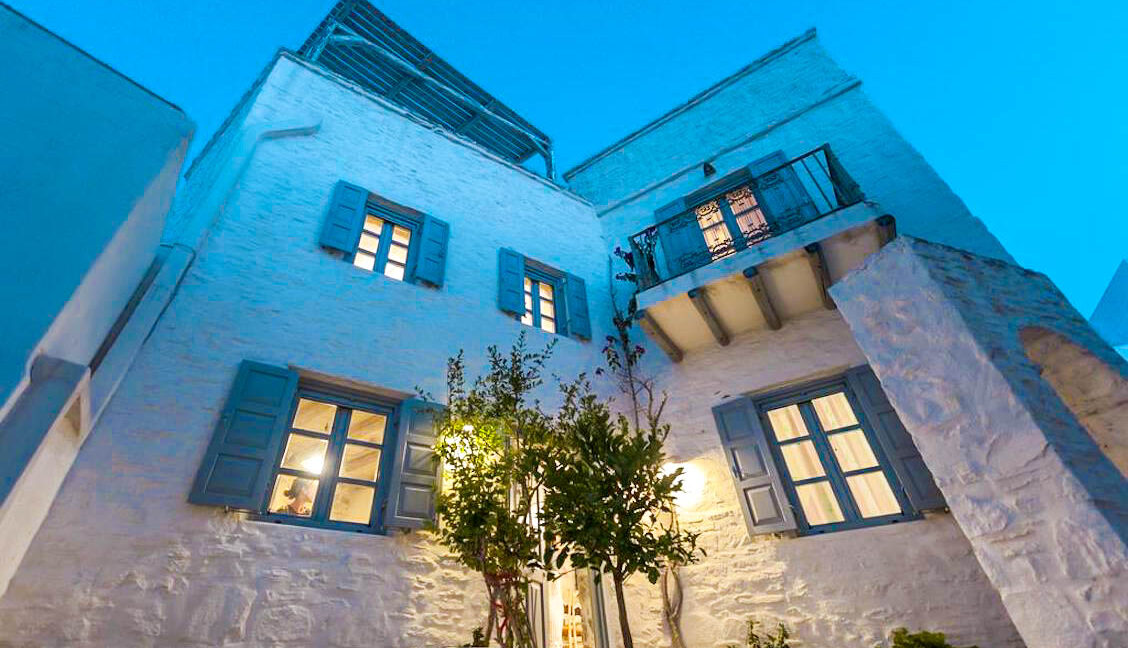 House for Sale in Paros Island Greece. Properties for Sale Paros 1
