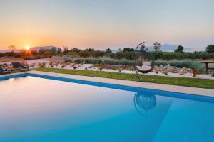 Villa with very big Land Plot, Properties in Crete for Sale, Luxury Villas Crete Greece for Sale