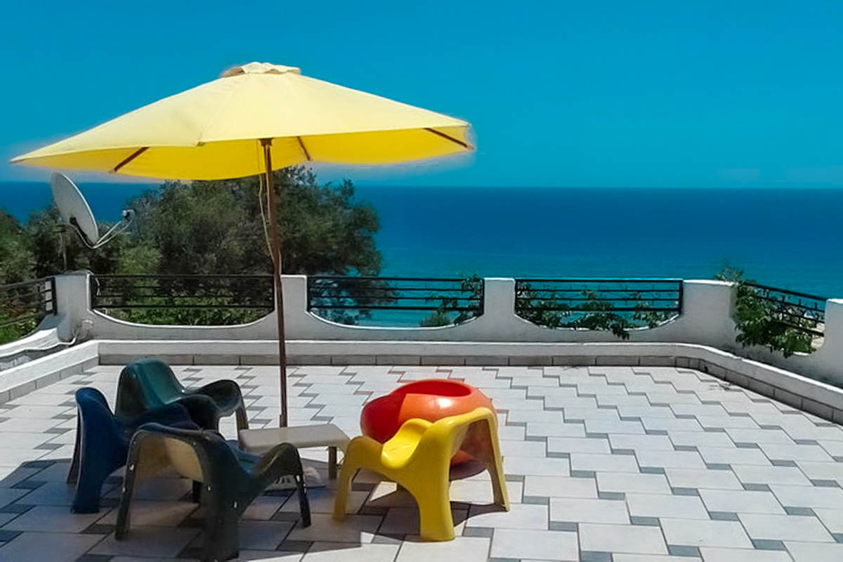 Apartments Hotel in Corfu, 5 Apartments and 6 Studios: 19 rooms