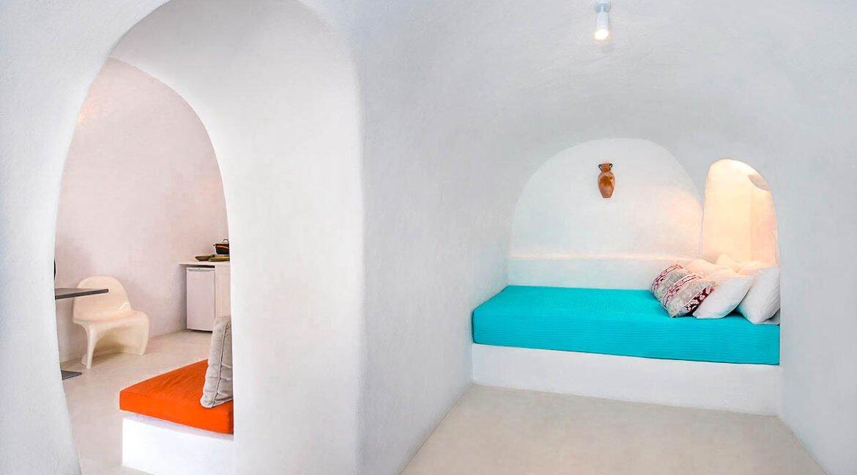 Cave Houses in Santorini Finikia Oia . Santorini Property 16