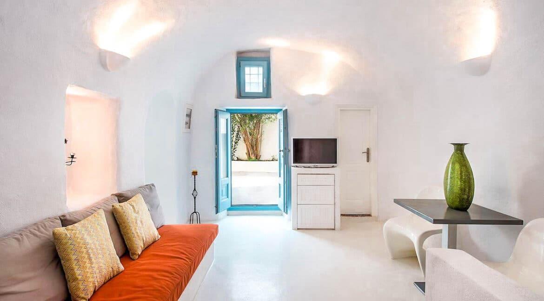 Cave Houses in Santorini Finikia Oia . Santorini Property 20