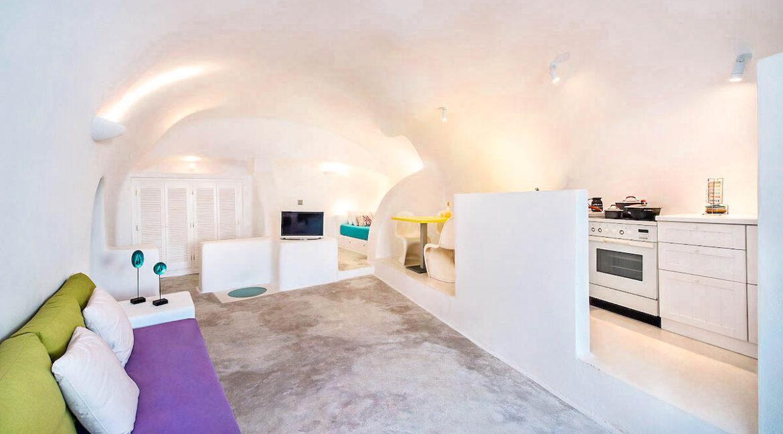 Cave Houses in Santorini Finikia Oia . Santorini Property 9