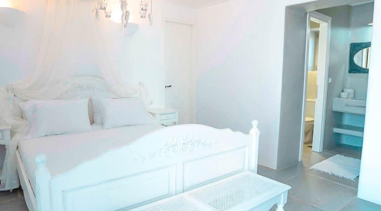 Luxury Property Antiparos Island Greece. Luxury Villas in Greek Islands 9