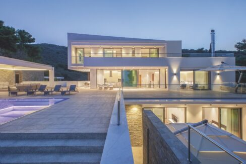 Luxury Seafront Property in Skiathos Greece. Hyperlux Seafront Villa in Greece 15