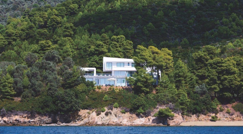 Luxury Seafront Property in Skiathos Greece. Hyperlux Seafront Villa in Greece 20